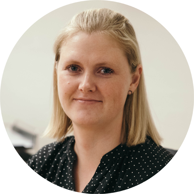 Sarah Lundager, Bogholder